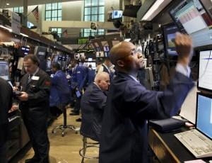 投資海外市場已成趨勢,複委託越來越熱門,何謂「複委託」?