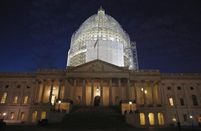 图为美国国会大厦。REUTERS/Jim Bourg