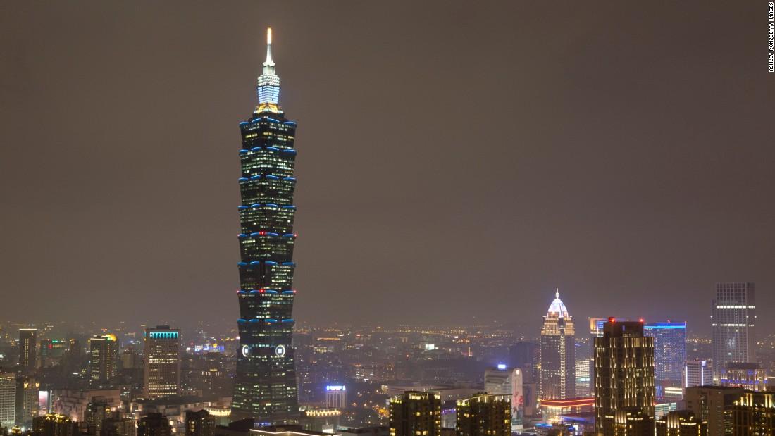 150422134509-taipei-skyline-super-169